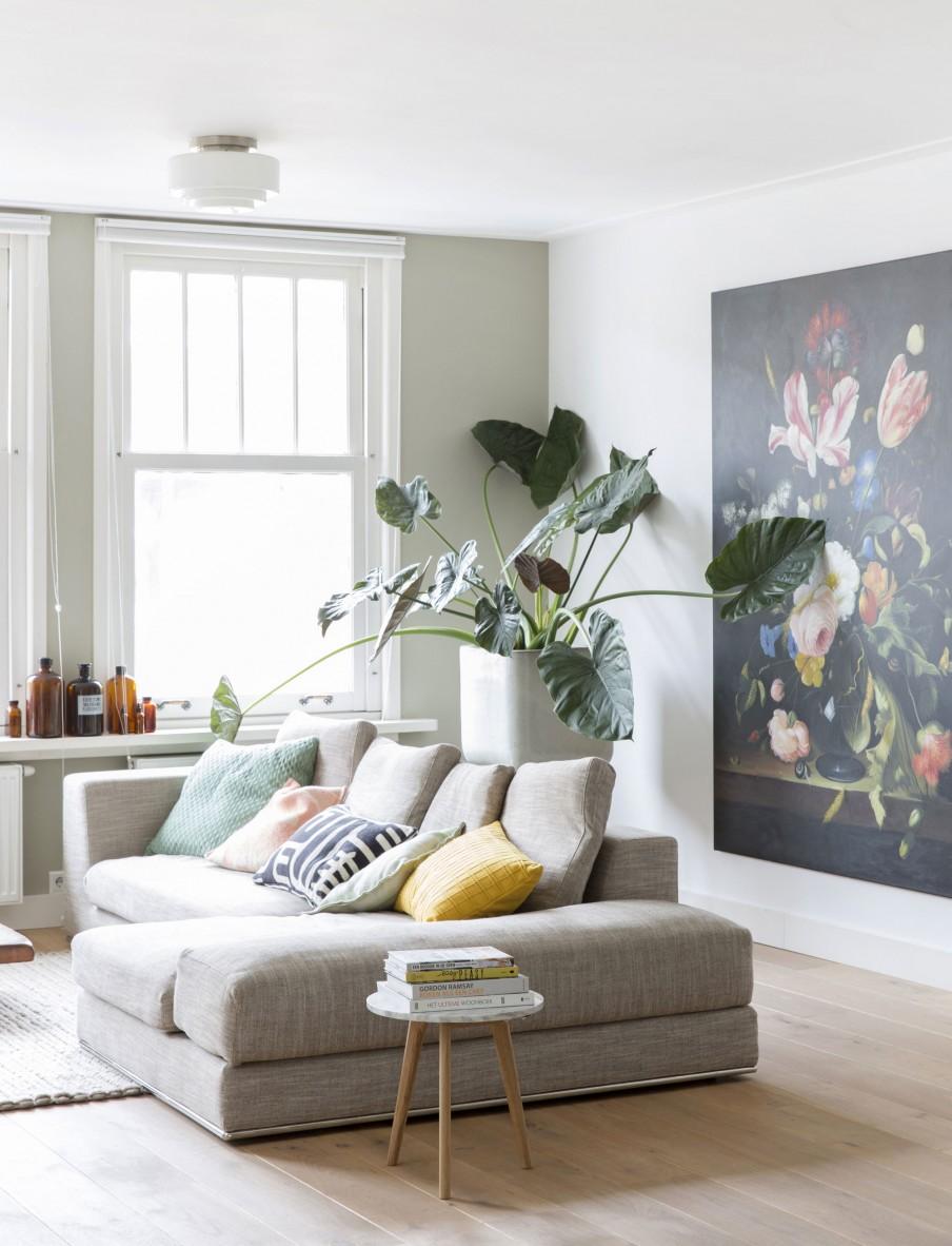Appartement hollandais avec une décoration scandinave et indus
