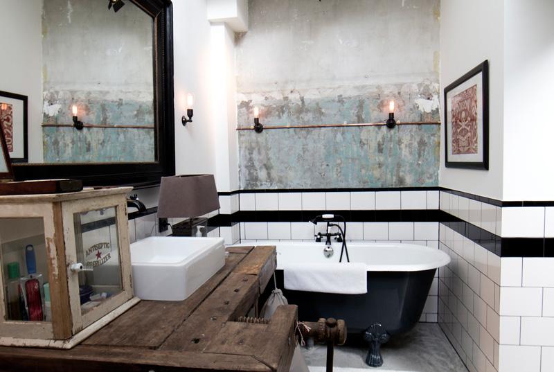 Un loft dans un garage mariekke for Salle de bain style loft