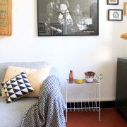 DIY porte-revue cuivre et blanc, avec de la peinture en bombe