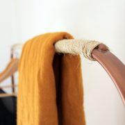 DIY : un portant en cuivre et corde aux airs scandinaves