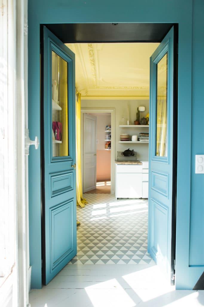osez le plafond en couleur mariekke. Black Bedroom Furniture Sets. Home Design Ideas